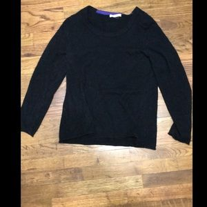 Black cashmere crew neck sweater. Xl.